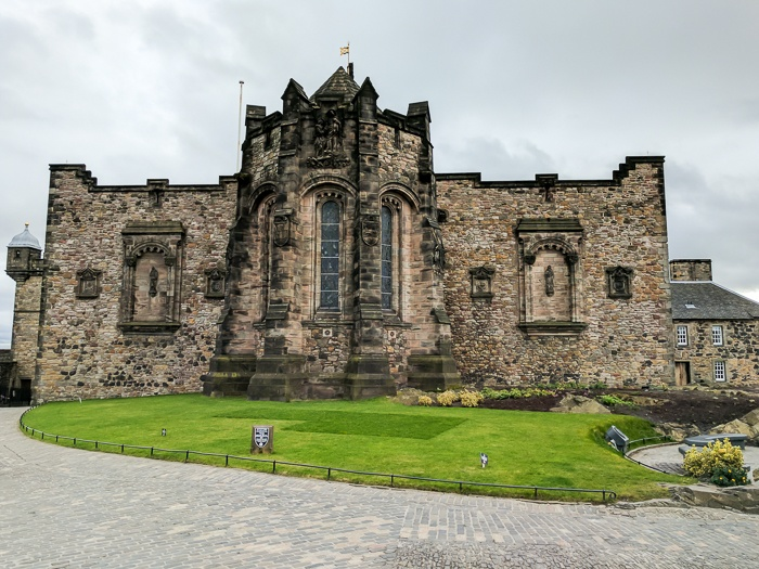 The perfect Scotland Itinerary, by travel blogger What The Fab