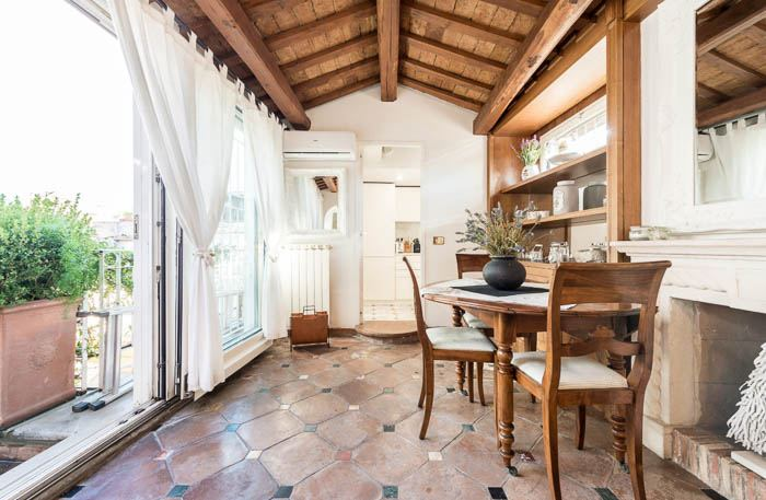 airbnbs in Rome, by travel blogger What The Fab