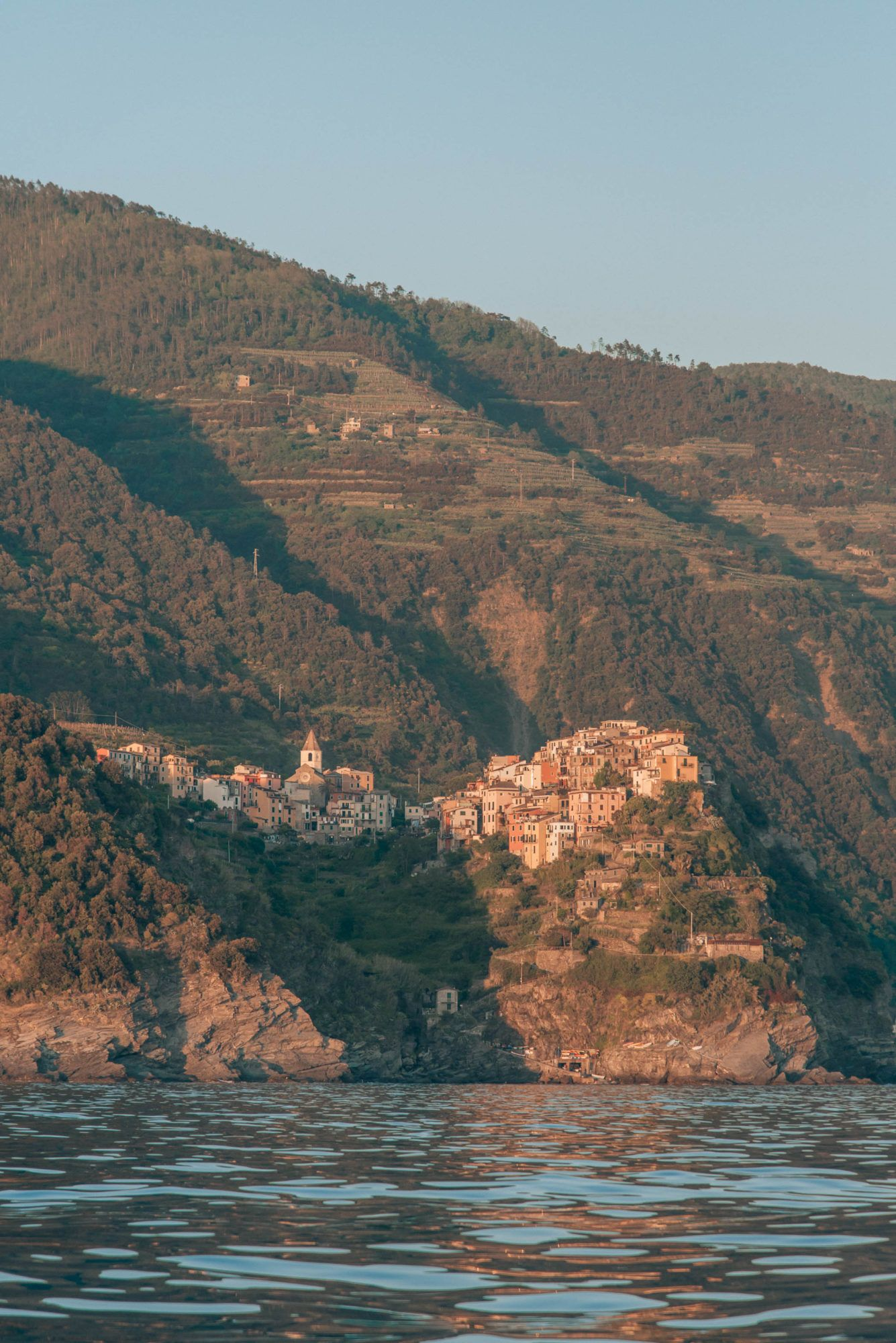 Cinque Terre Itinerary, by travel blogger What The Fab