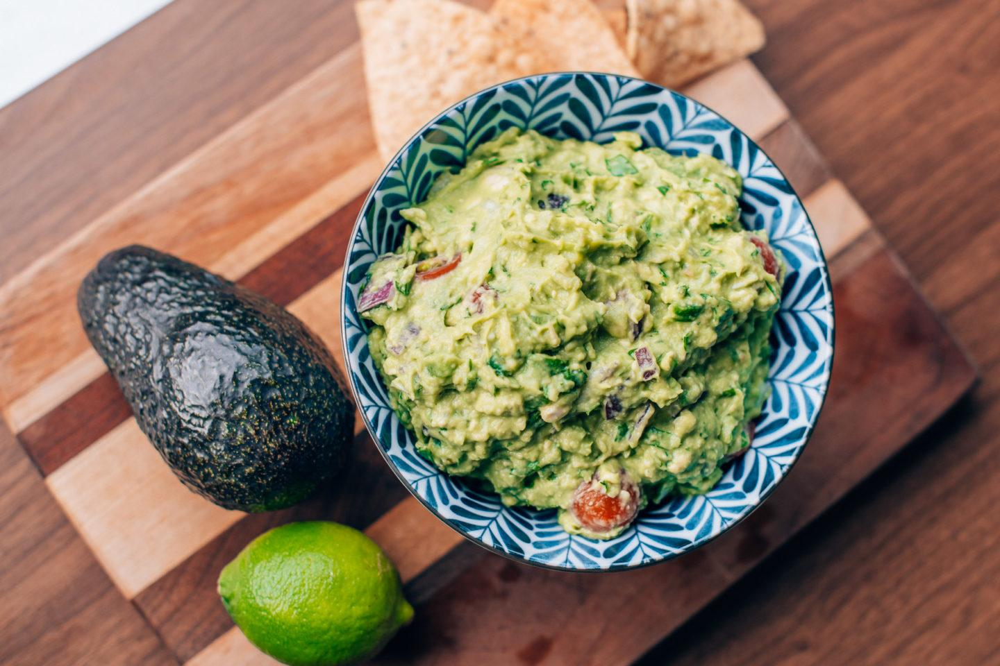 Guacamole recipe, by blogger What The Fab