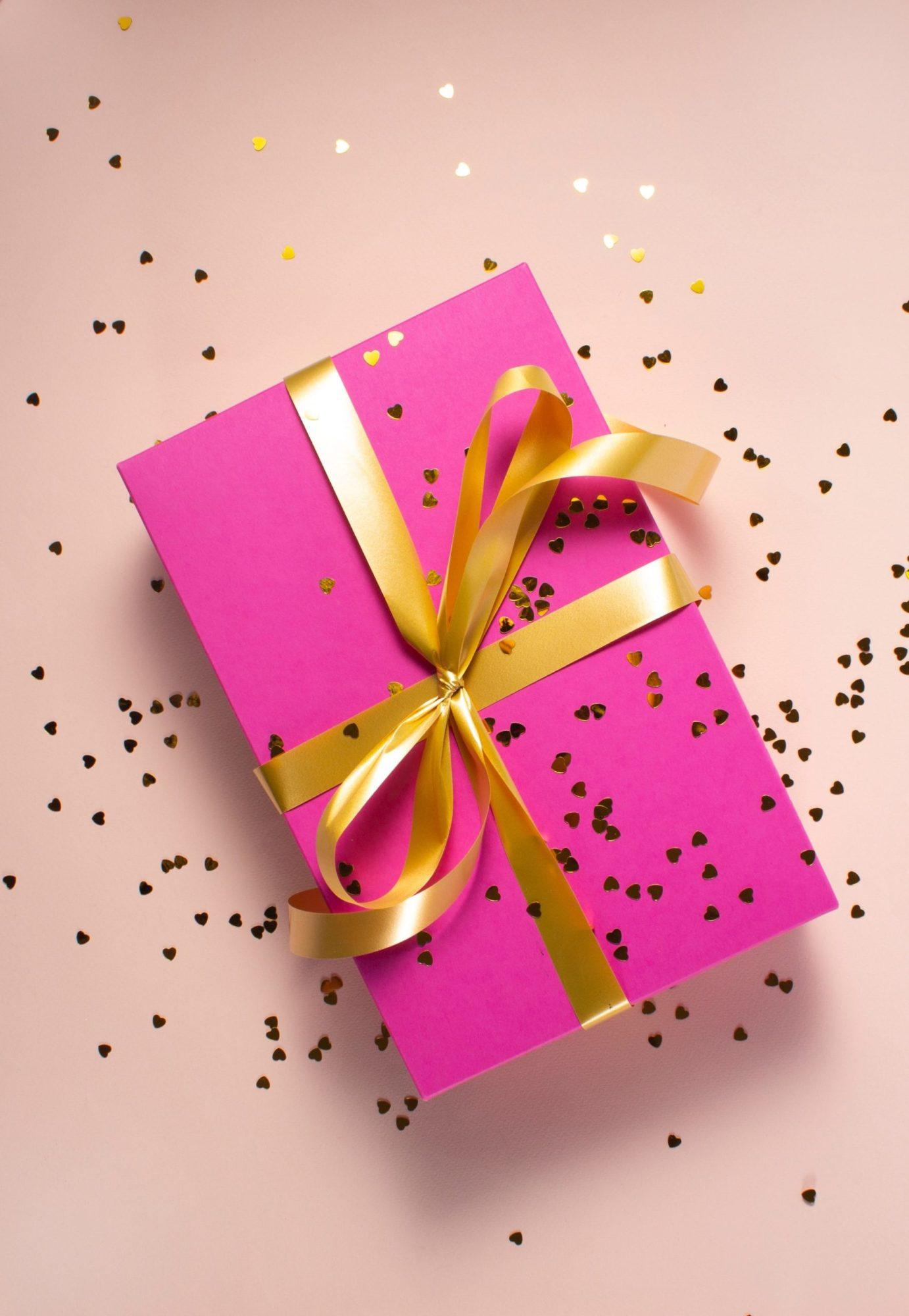 The best quarantine birthday gifts, by lifestyle blogger What The Fab