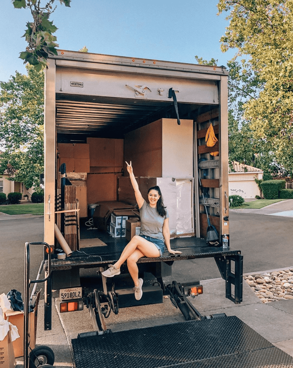 Moving out tips, by lifestyle blogger What The Fab