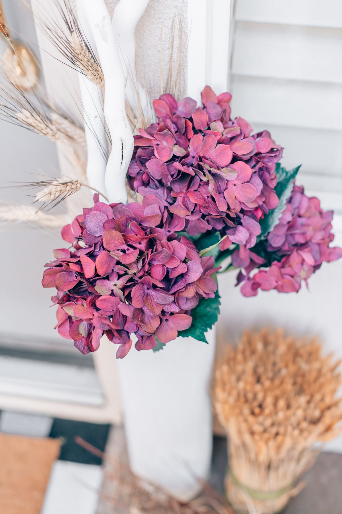 Front door fall decor, by lifestyle blogger What The Fab