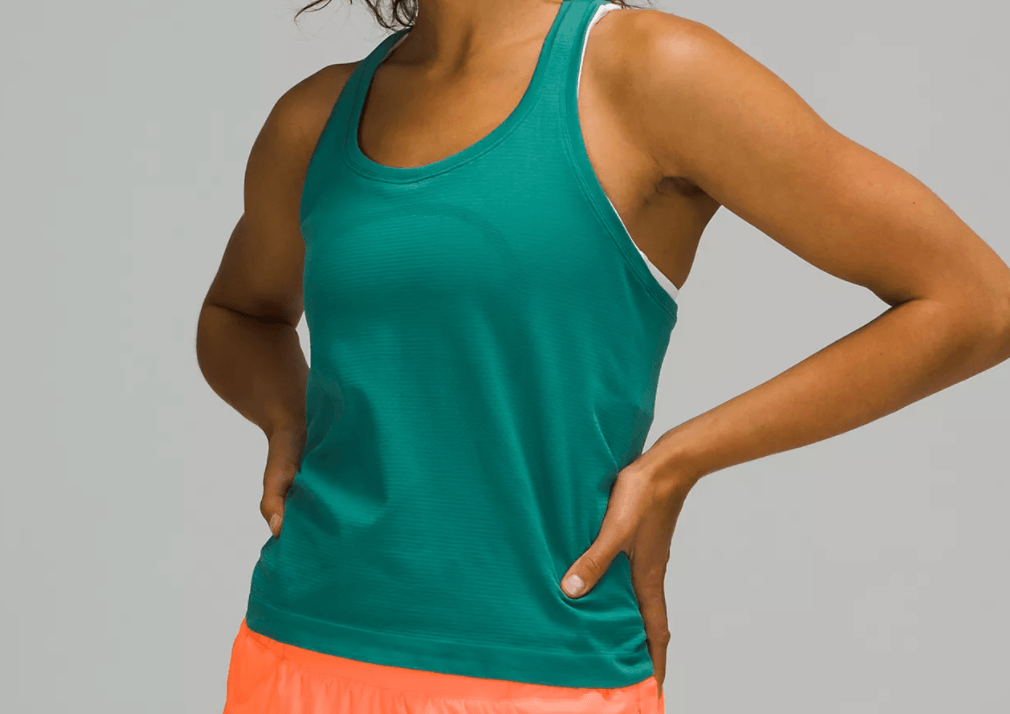 The best workout tops, by Travel Blogger What The Fab