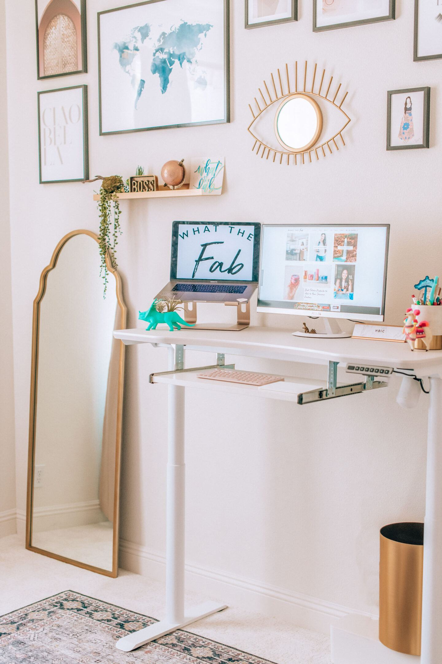 Blogger office, by lifestyle blogger What The Fab