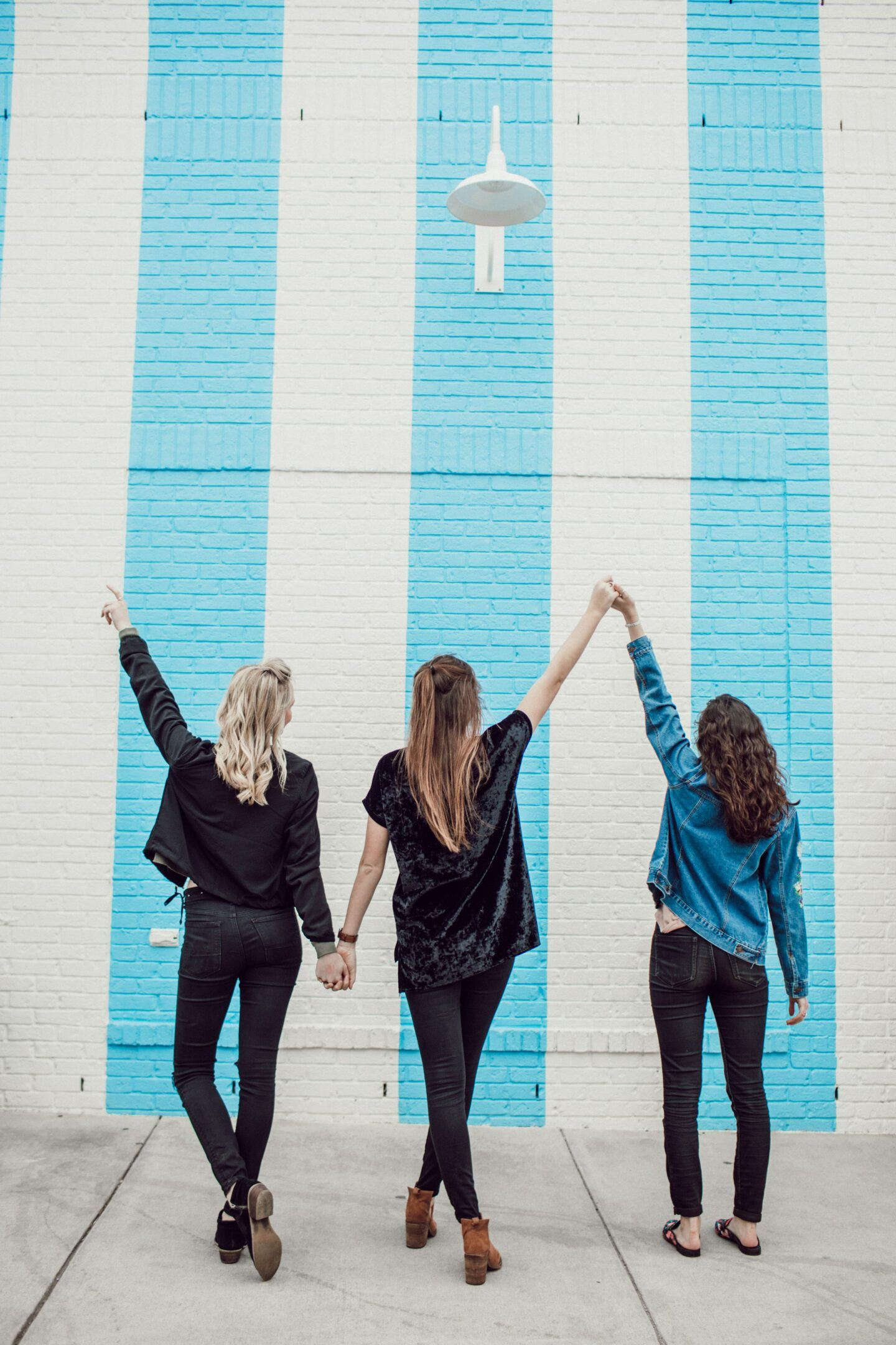The best Nashville Murals, by Travel Blogger What The Fab