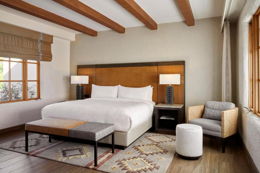 Luxury Hotels in Scottsdale, by Travel Blogger What The Fab